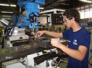 Curso tecnico de engenharia mecanica