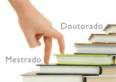 Vantagens e desvantagens de se fazer doutorado