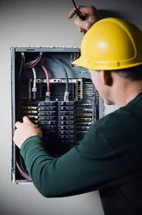 quanto ganha eletricista predial