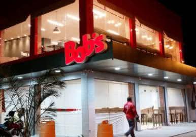 Quanto ganha um atendente do Bob's?