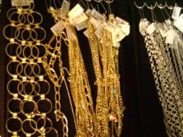 Como ganhar dinheiro vendendo Semi jóias