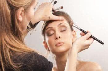 salário de maquiador